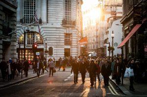 Достаточно ли мы богаты для недорогих курсов английского?